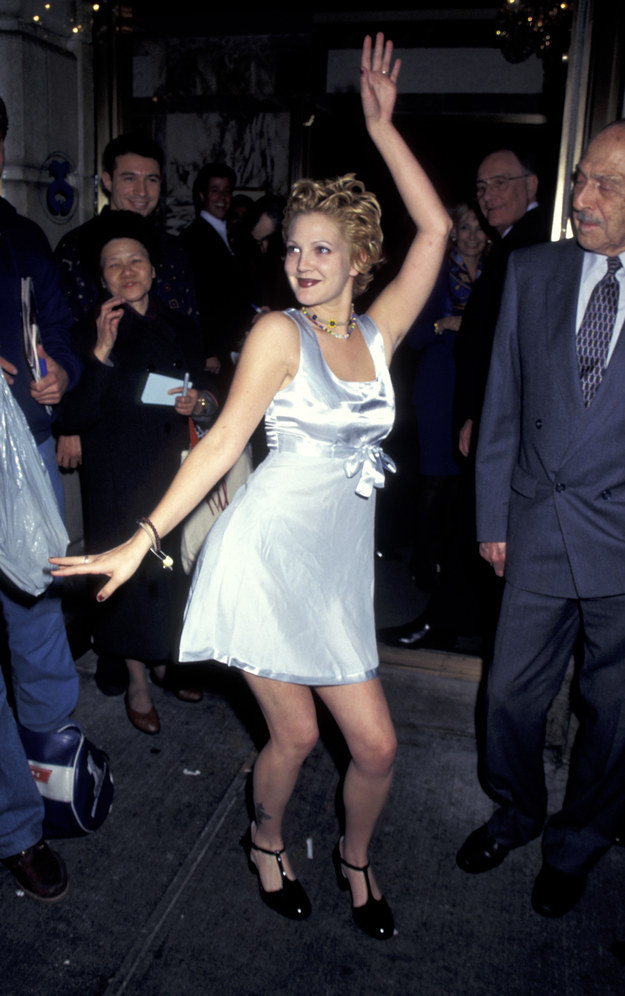 90 S Drew Barrymore Blue Is In Fashion This Year