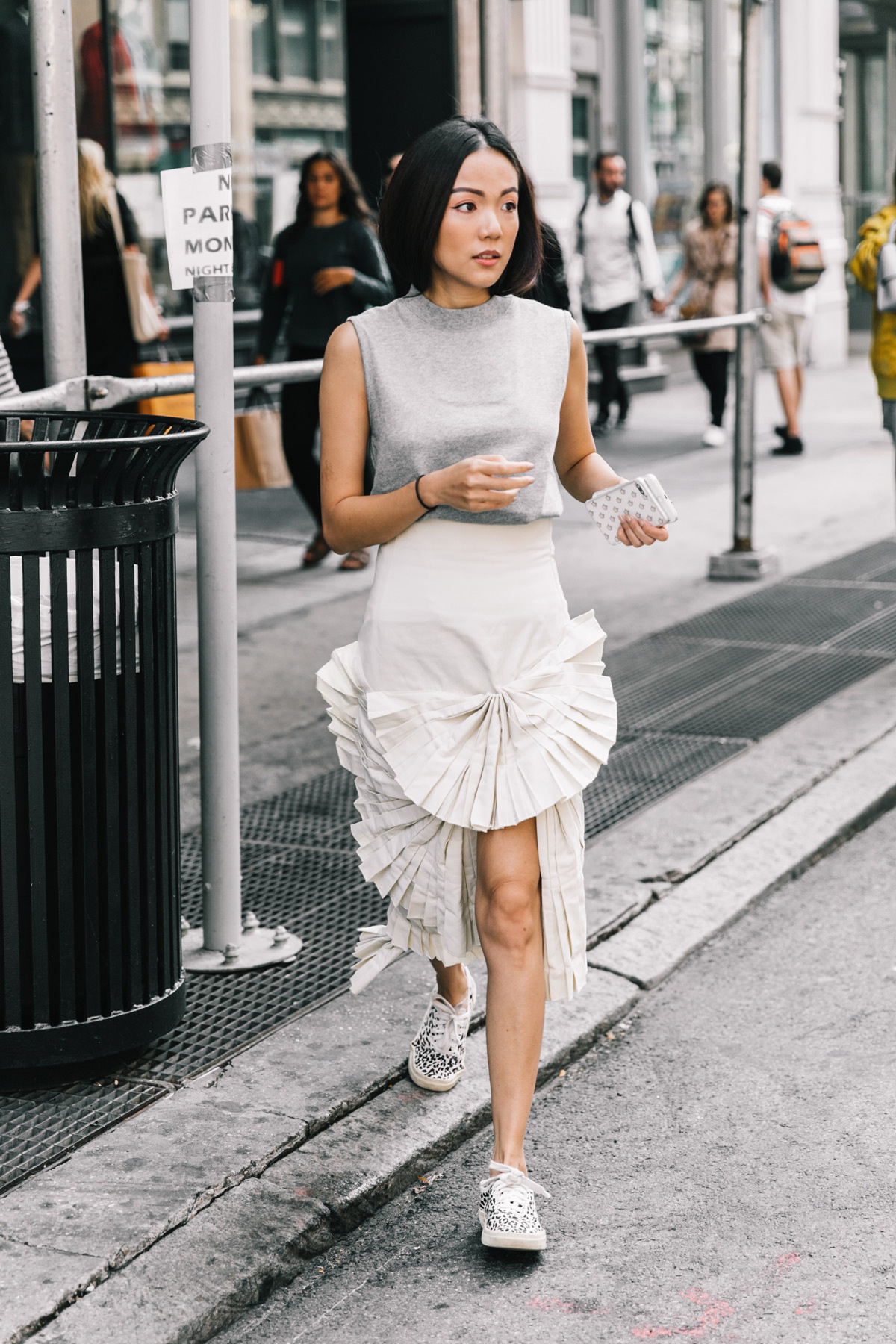 Look Preferiti Dallo Street Style Della New York Fashion Week Ss 18 Blue Is In Fashion This Year