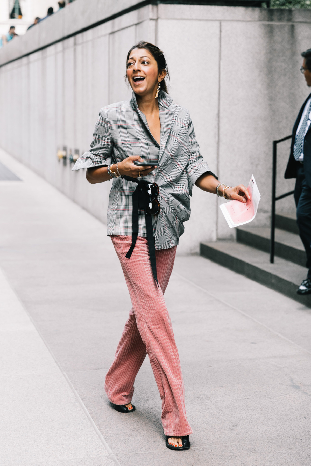 vogue.es.street_style_new_york_fashion_week_dia_6_ralph_lauren_coach_72689353_1200x1800