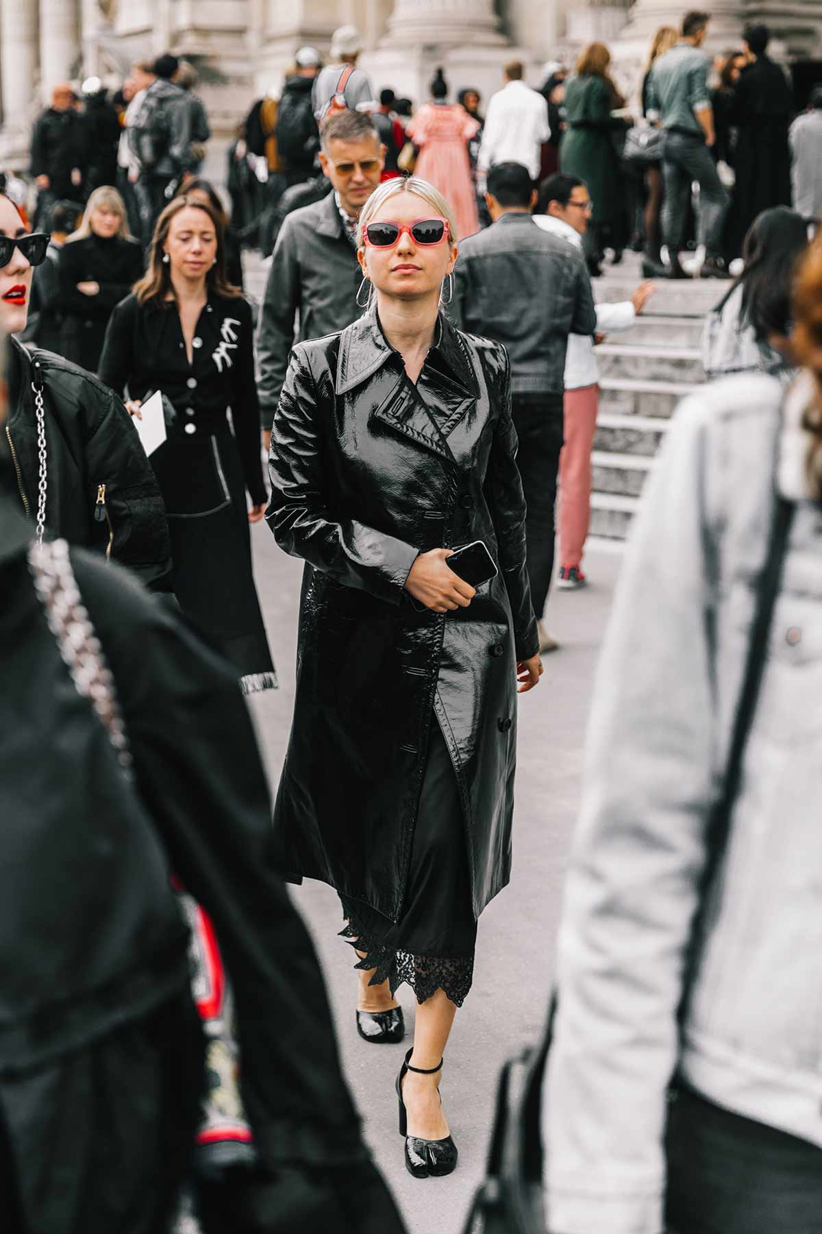 v.street_style_paris_fashion_week_dia_2_maison_margiela_dries_van_noten_501697145_1200x1800